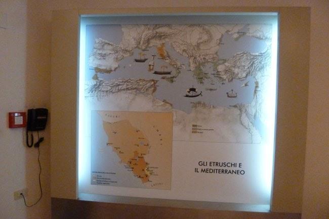 Gráfica da península itálica com a ocupação etrusca