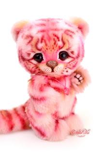 Artist teddy tiger, teddy ooak, Natalie Lachnitt, pink tiger rosa, розовый тигрб игрушка тедди, NatalKa Creations, teddies with charm, tiger teddy, artist tiger, Künstler Tiger, Unikat, Künstlerteddy, Teddy, Teddys, Tiger