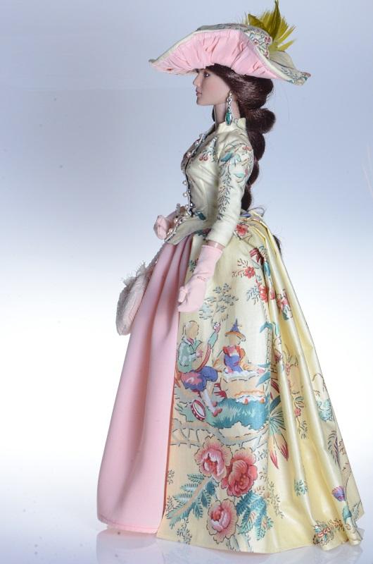 Ręcznie szyta suknia dla lalki Tonner.