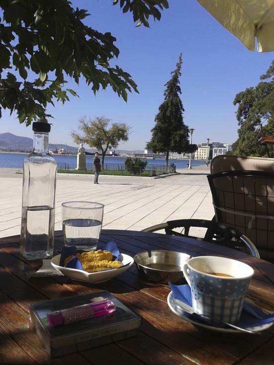 Δούλεψα μέχρι το μεσημέρι και μετά από μια μεγάλη βόλτα στην παραλία  σταμάτησα για έναν απολαυστικό καφέ στη λιακάδα κοντά στον Άγιο Κωνσταντίνο  και στον ... 204f81e50b1