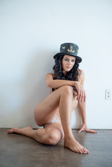 Adrienne Curry Nude Leaked Photoshoot Pictures [PART 2]