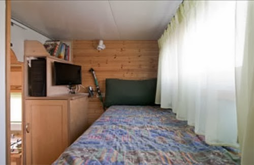 09-Bedroom-2-Yosi-Tayar-Animator-RV-Home-Recreational-Vehicle-www-designstack-co