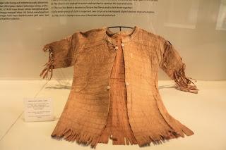 Baju yang dipakakai di zaman prasejarah