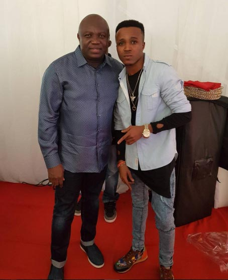 Humblesmith chills with Phyno and Lagos State governor Ambode