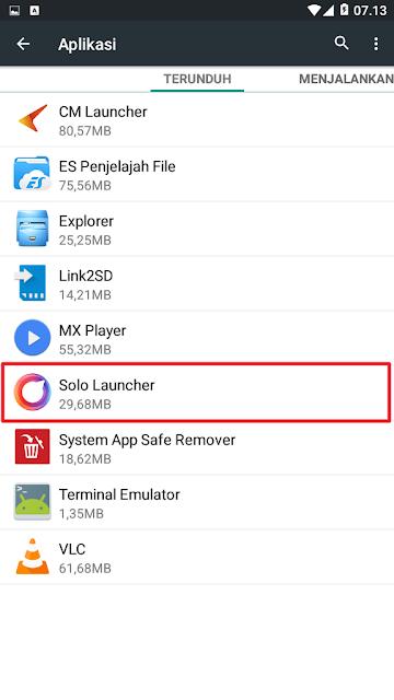 Klik aplikasi launcher yang sedang kamu gunakan