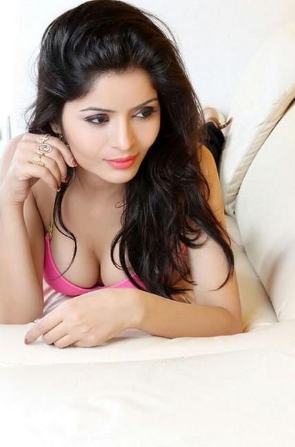 Model Gehana Vasisth Photos