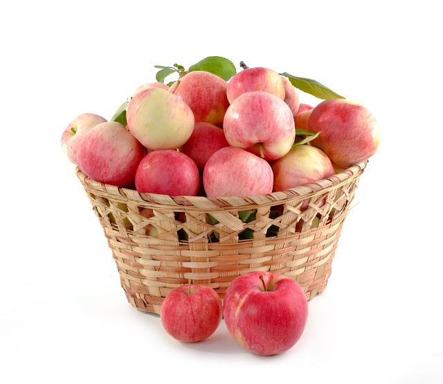 Cara Memakan Buah Apel