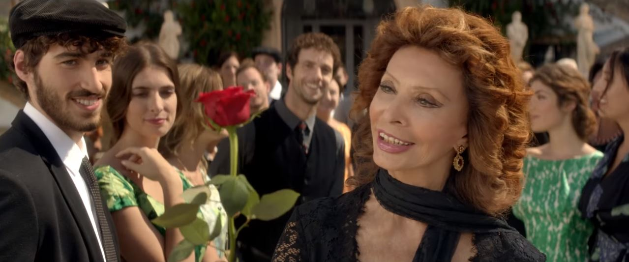 Canzone Dolce&Gabbana Dolce Rosa Excelsa Pubblicità | D&G profumo Sophia Loren e ragazzo con rosa