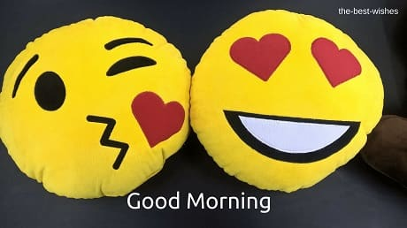 Good Morning Wishes Kissing Emoji Pictures
