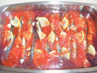 Preparare hamsii la cuptor cu sos de rosii reteta,