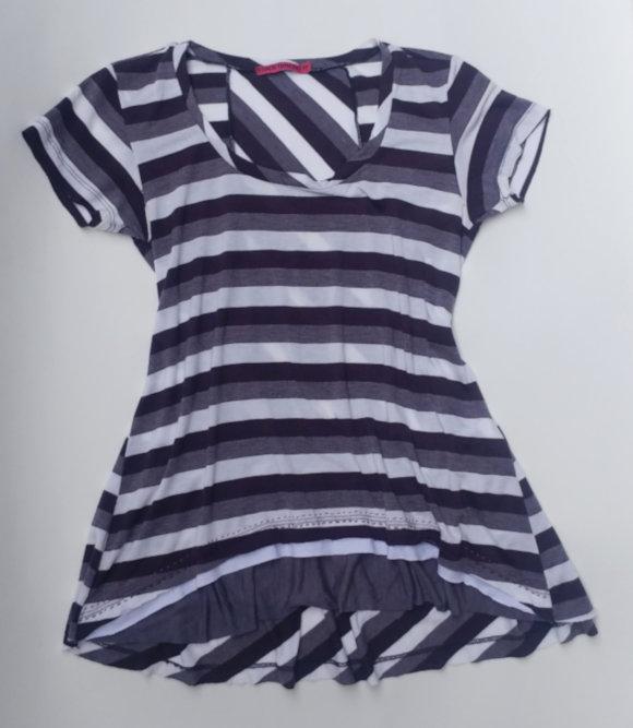 Customização: aumentando o comprimento de uma Camiseta Listrada