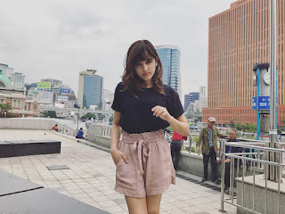 Shirley Setia,Shirley Setia Travel, shirley setia family, shirley setia with big singers,shirley setia childhood pics,  Shirley Setia Success Story, shirley setia boyfriend,