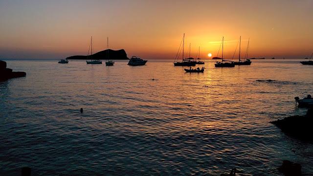 un tramonto ad Ibiza Cala Comte