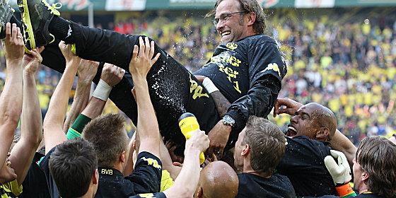 Soccer Wrap Up: Jürgen Klopp Guides Borussia Dortmund to ...