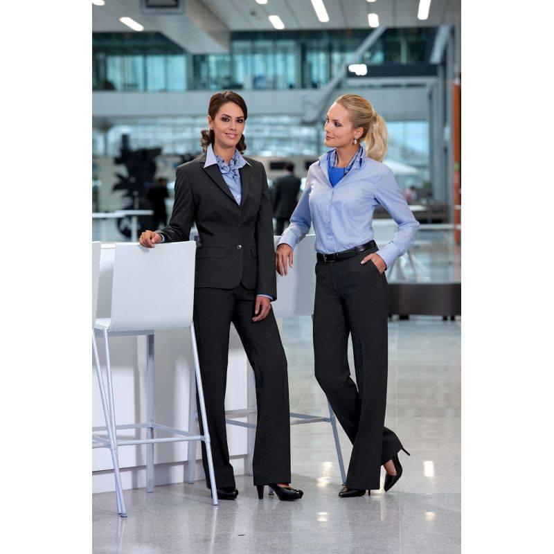 Trouvez des h tesses pour vos salons entreprise sans fautes for Salon entreprise