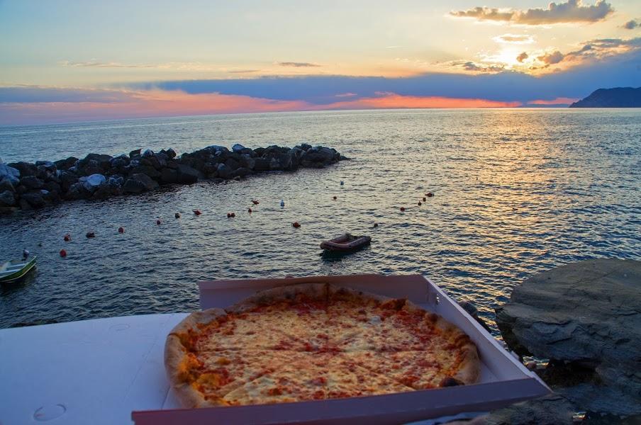 Pizza and sunset in Riomaggiore