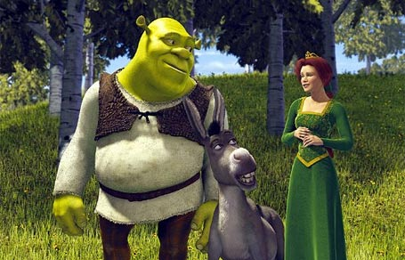 Shrek looking at Fiona romantically