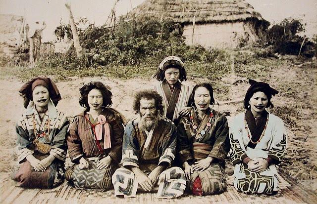 Fotografia d'un grup d'Ainu