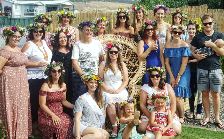 TO THE AISLE AUSTRALIA FLOWER CROWN WORKSHOPS