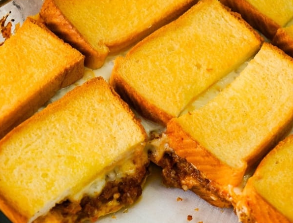Sloppy Joe Grilled Cheese Casserole #dinnerrecipe #amazingrecipe