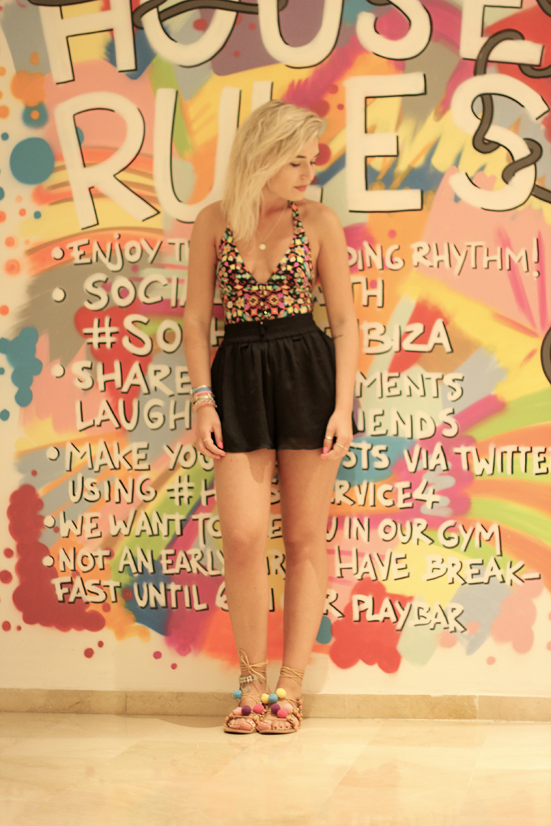 ootd-outfit-ibiza-holidays-travel-solhouseibiza-hotel-watercult-body-swimwear-asos-bershka-fashion-mode-blog-look-style-streetstyle-munich-muenchen-lauralamode-blogge-deutschland