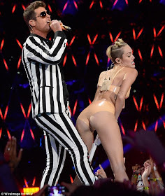 Miley Cyrus Sex Robin Thicke Strip Tease