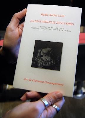 Magda Robles, poeta invitada, En penumbras se hizo verbo