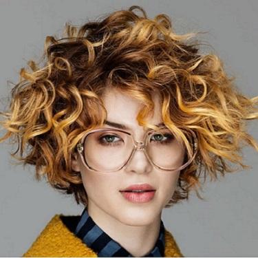 Look cabello corto rizado 2018