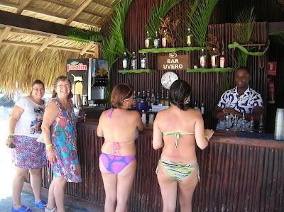 Bar Uvero Hotel Sirenis Punta Cana, vuelta al mundo, round the world, mundoporlibre.com