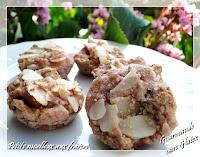 http://gourmandesansgluten.blogspot.fr/2014/03/minis-moelleux-au-coulis-de-fraises.html