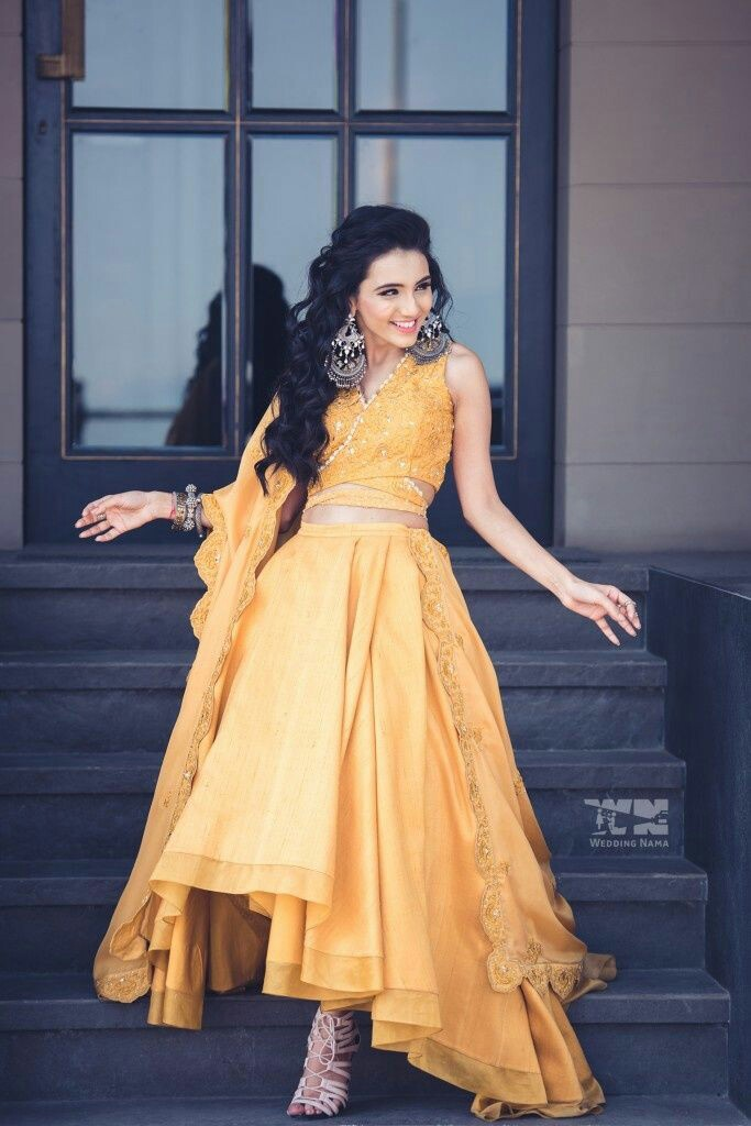 35 Trendy Haldi Outfit Ideas for the Bride    Haldi Ceremony Dresses ...