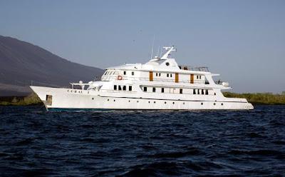 Tours Galápagos Yates de primera clase Crucero Yate Coral I y II