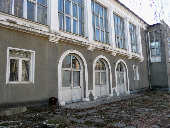 Славянск. Бывшая столовая АИЗа