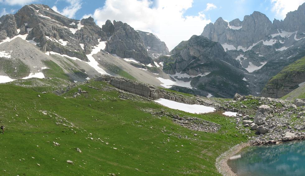 """Изложба на фотографии """"Јабланица, нашата прекрасна планина"""""""