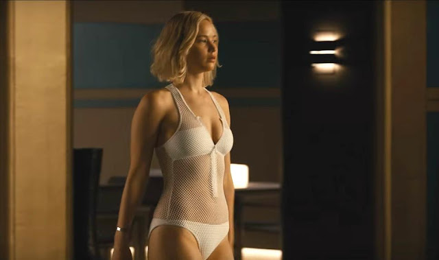 Jennifer Lawrence's hour glass figure in a swimming sequence in the trailer of Passengers