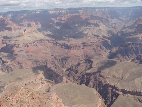 Blick in den Grand Canyon während unserer Westküsten Reise