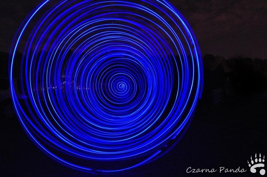 Świetliste kule - zabawa światłem