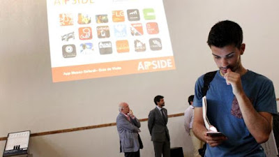 El Museo Sefardí de Toledo ha presentado este lunes su nueva app para dispositivos móviles, una aplicación que sirve para realizar visitas virtuales a este museo y que cuenta con adaptaciones para personas ciegas y con discapacidad auditiva.