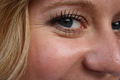 10 Causes of Wrinkles in The Face at Young Age You Must Know
