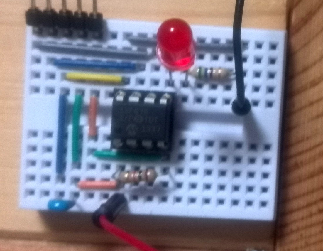 Sangorrin Blinking An Led With A Simple Pic Microcontroller Leds Circuit Then Prepare Like The One In Picture On Breadboard Pic12f675 Contains Internal Oscillator So You Dont Need To Supply