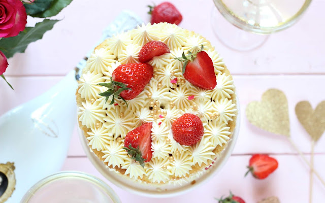 Naked Cake für die zukünftige Braut [mit Fürst von Metternich Chardonnay]