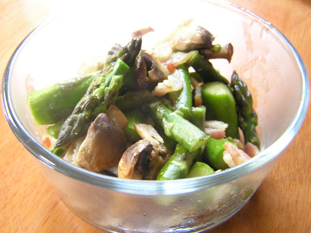 Roasted Asparagus With Mushrooms & Bacon