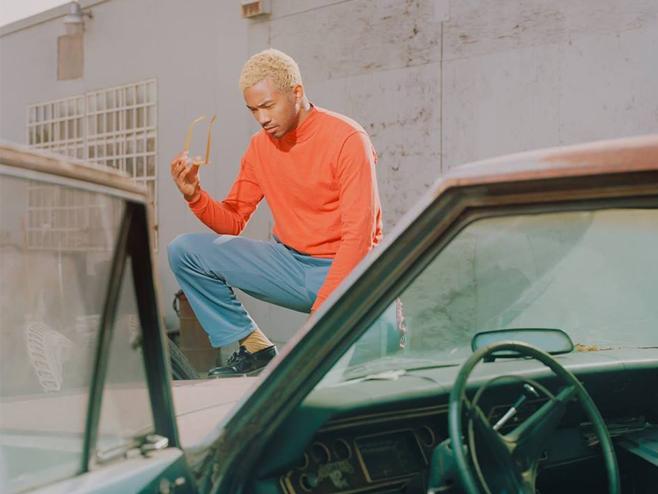 Toro y Moi destila batidas funk e soul para cantar banalidades no single 'Ordinary Pleasure'