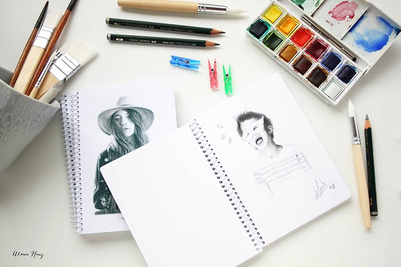Cuadernos con hojas blancas para dibujar y escribir