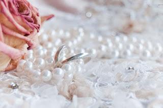Perły na ślub i wesele? - propozycje zastosowania pereł podczas uroczystości ślubnej
