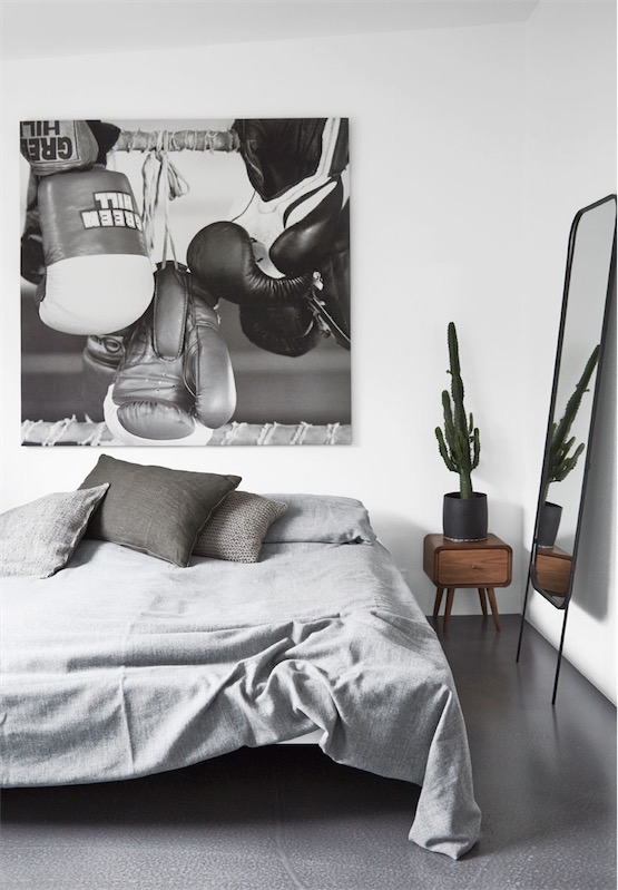 black white and grey interior bedroom chicanddeco