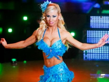 Foto de Belén Estévez bailando en el Gran Show