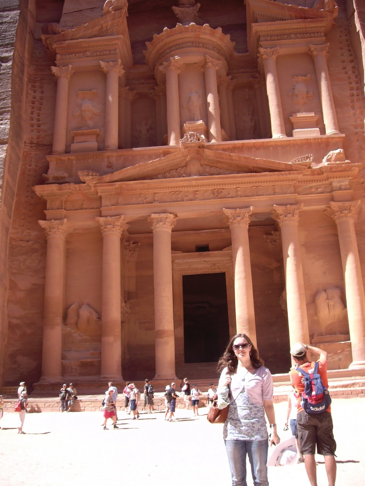 Sightseeing in Jordan: Petra & the Desert of Wadi Rum