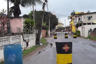 http://vnoticia.com.br/noticia/3250-carro-colide-e-quebra-poste-em-sao-francisco-de-itabapoana