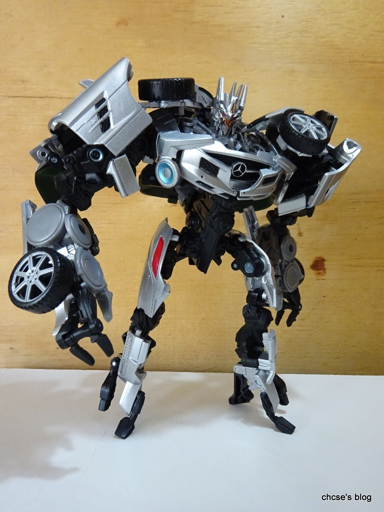 Takara Tomy Transformers MB-07 Sound Wave Action Figure